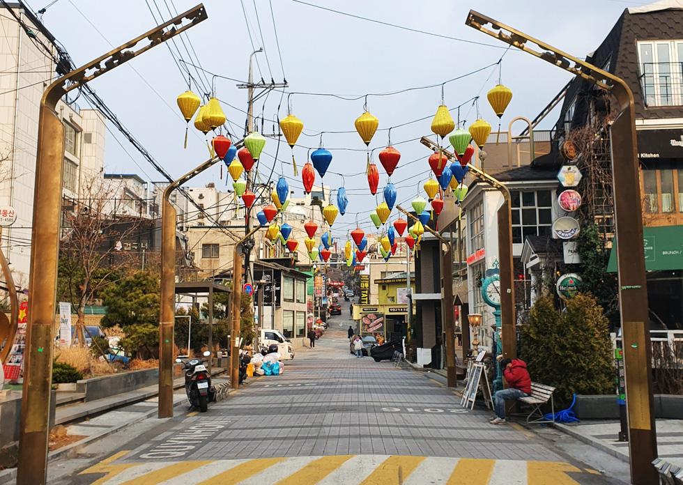 Cận cảnh Itaewon của Itaewon Class: quán Danbam, tiệm cafe Việt, phố Quy Nhơn - Ảnh 11.