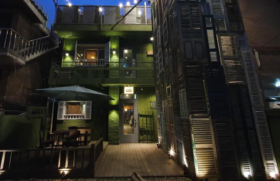 Cận cảnh Itaewon của Itaewon Class: quán Danbam, tiệm cafe Việt, phố Quy Nhơn - Ảnh 7.