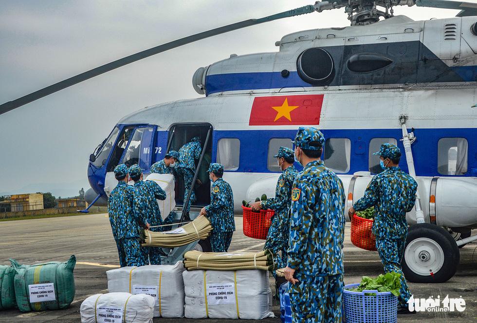 Bộ Quốc phòng diễn tập phòng chống dịch COVID-19 với quy mô chưa từng có - Ảnh 1.