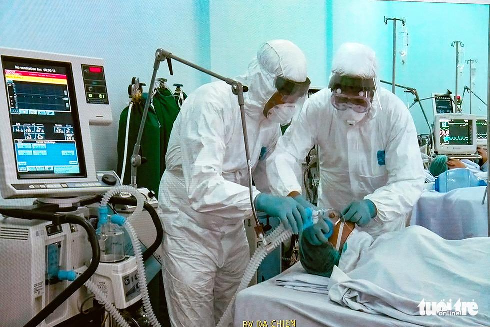 Bộ Quốc phòng diễn tập phòng chống dịch COVID-19 với quy mô chưa từng có - Ảnh 5.