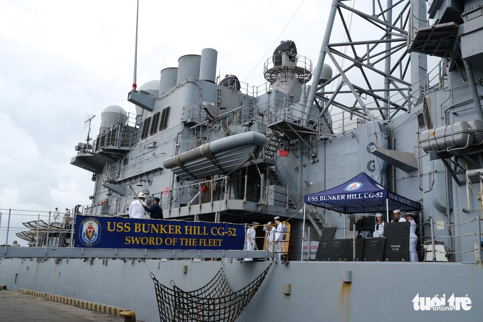 Bên trong tuần dương hạm USS Bunker Hill đang ghé thăm Đà Nẵng - Ảnh 1.