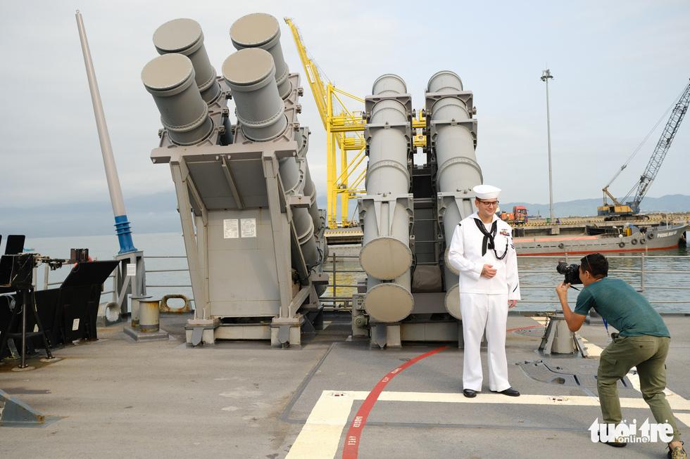 Bên trong tuần dương hạm USS Bunker Hill đang ghé thăm Đà Nẵng - Ảnh 7.