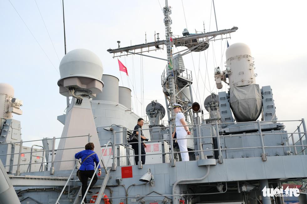 Bên trong tuần dương hạm USS Bunker Hill đang ghé thăm Đà Nẵng - Ảnh 11.