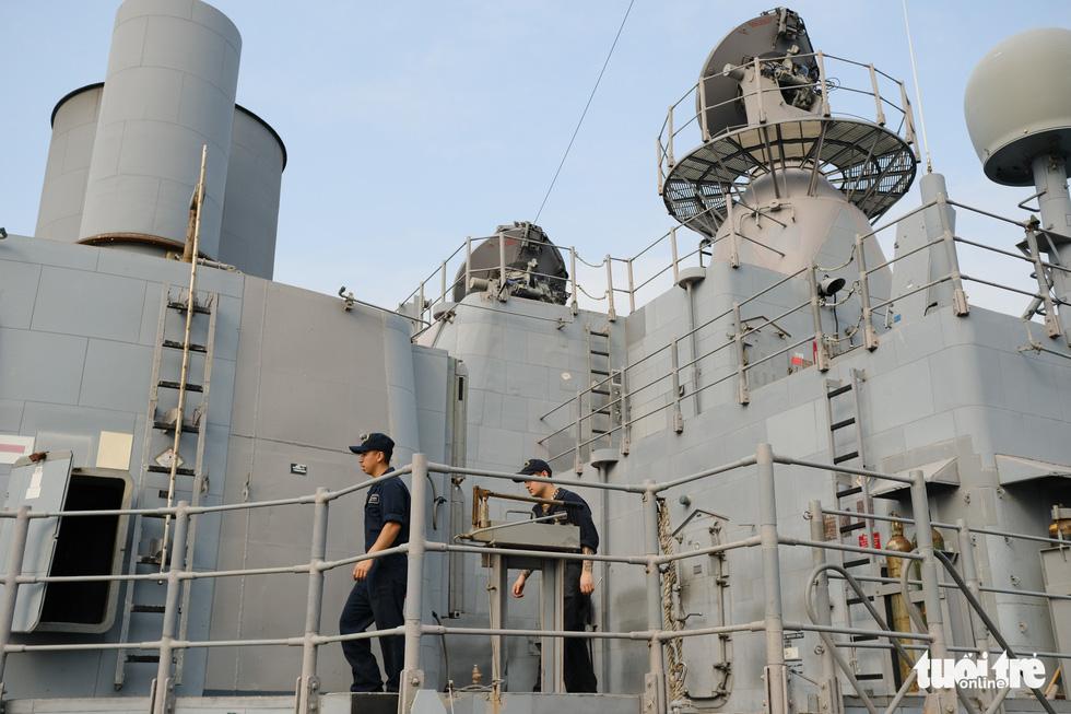 Bên trong tuần dương hạm USS Bunker Hill đang ghé thăm Đà Nẵng - Ảnh 12.