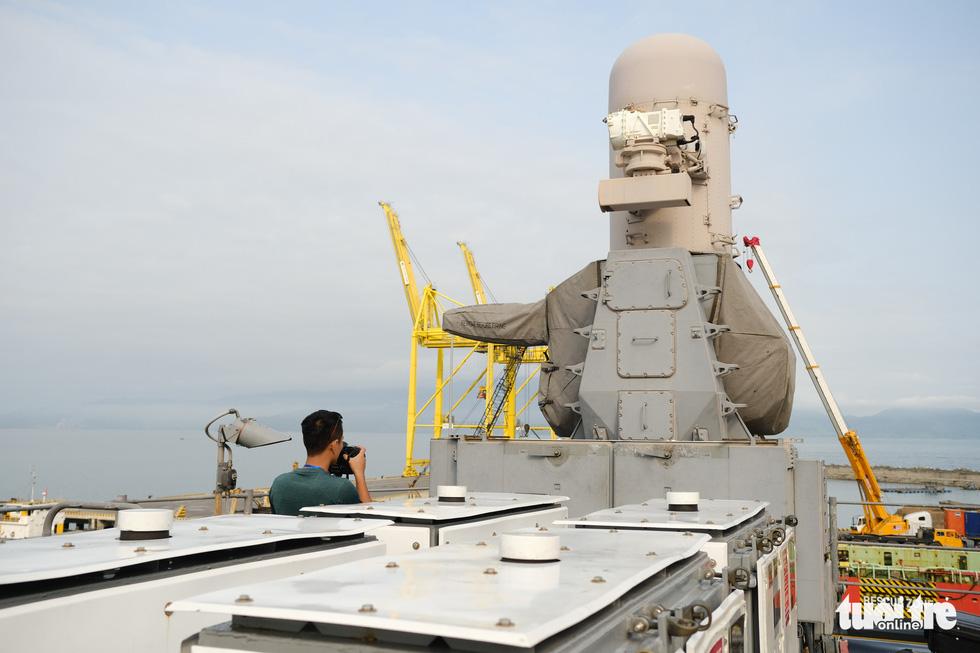 Bên trong tuần dương hạm USS Bunker Hill đang ghé thăm Đà Nẵng - Ảnh 13.