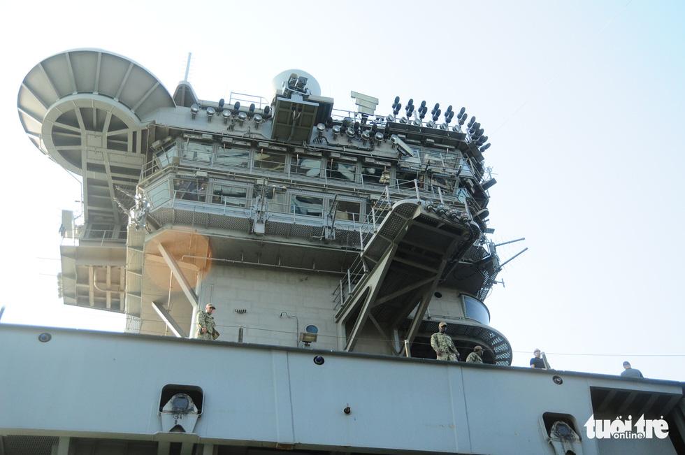 Bên trong tàu sân bay USS Theodore Roosevelt đang neo tại vịnh Đà Nẵng - Ảnh 10.