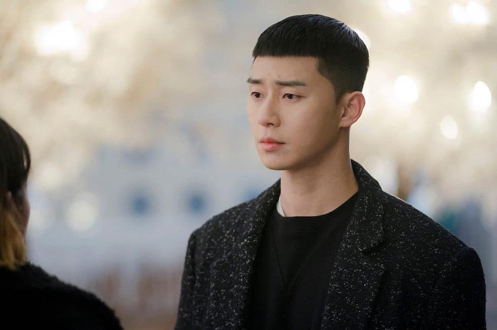Tình yêu thực dụng và tình yêu hi sinh trong Tầng lớp Itaewon - Ảnh 3.