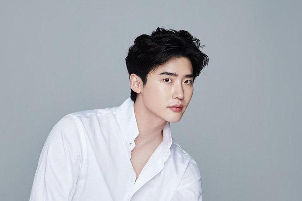 Top 10 sao Hàn Quốc đẹp trai nhất mọi thời đại gọi tên Lee Jong Suk, Lee Min Ho - Ảnh 11.