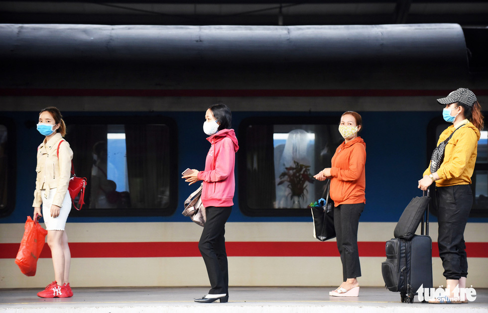 Ga Sài Gòn triển khai lấy mẫu xét nghiệm cho tất cả hành khách - Ảnh 13.