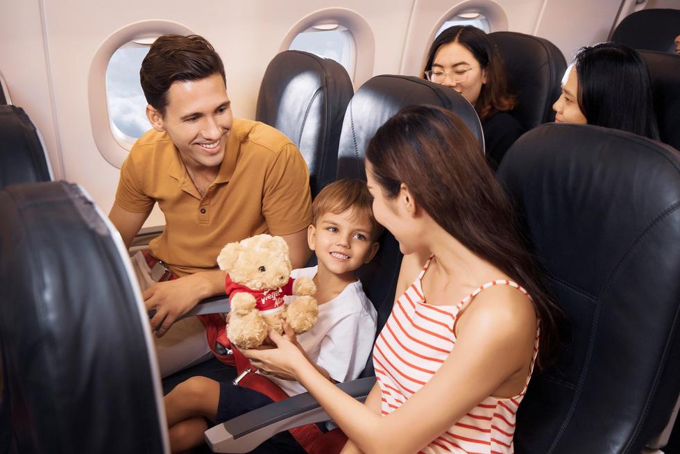 Vietjet tung thẻ vạn năng, khách bay được cả năm không giới hạn số chuyến - Ảnh 1.