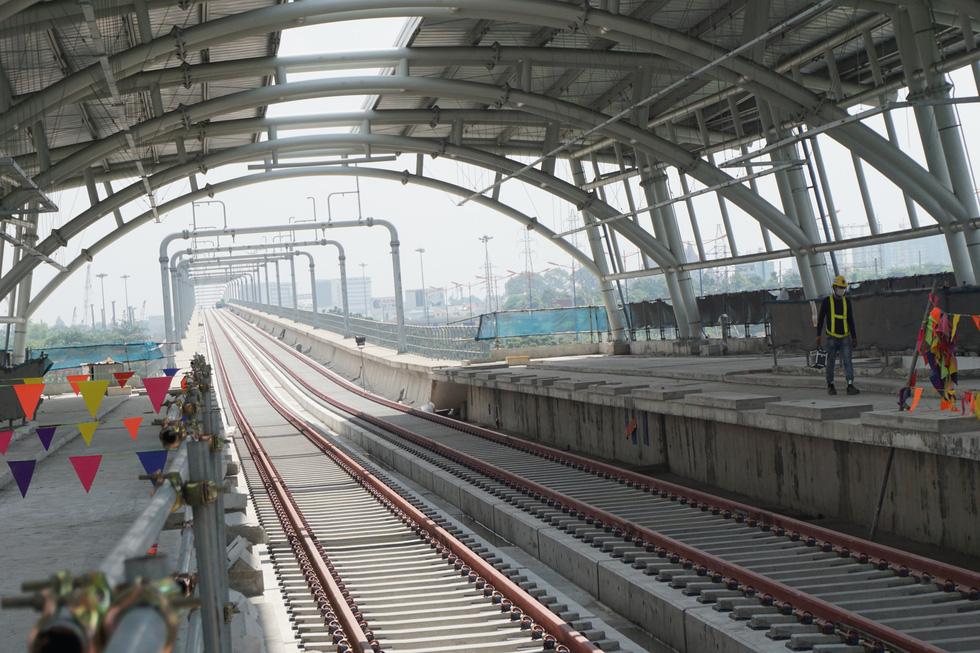 Cận cảnh metro số 1 Bến Thành - Suối Tiên đang hoàn thiện - Ảnh 1.