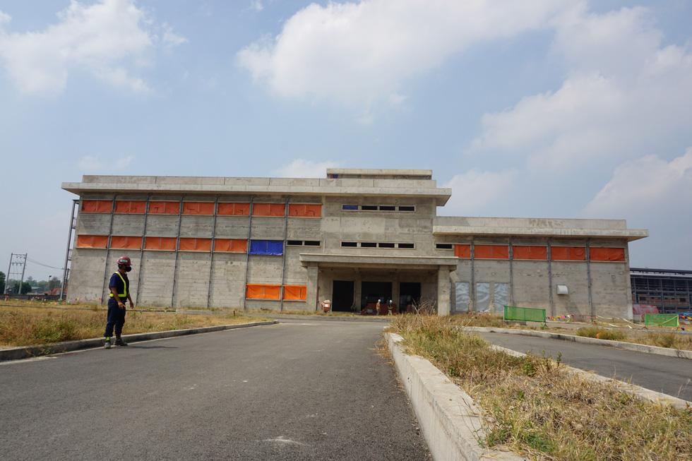 Cận cảnh metro số 1 Bến Thành - Suối Tiên đang hoàn thiện - Ảnh 6.