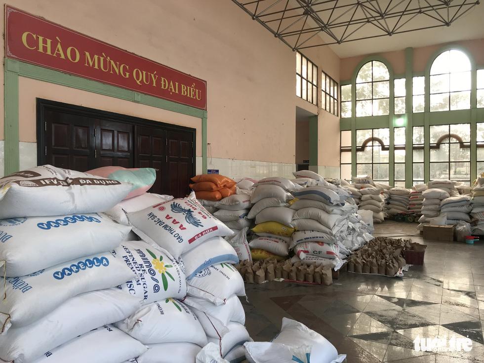 Ngày đầu hoạt động, 'ATM gạo' Thủ Đức đã có 45 tấn gạo làm vốn - Ảnh 1.