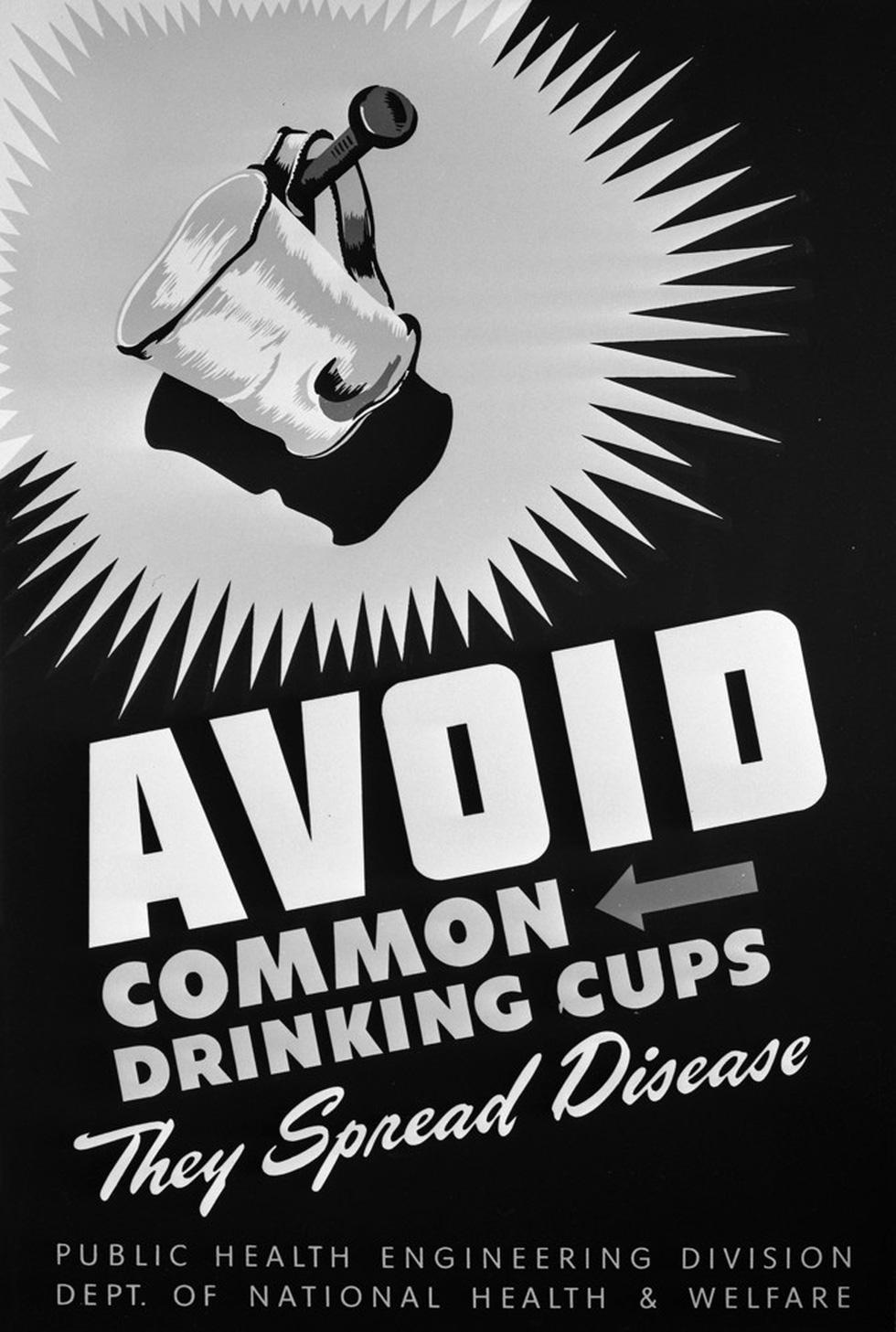 100 năm apphich vẫn thông điệp: Che miệng khi ho, ở nhà khi bệnh, tránh đám đông - Ảnh 8.