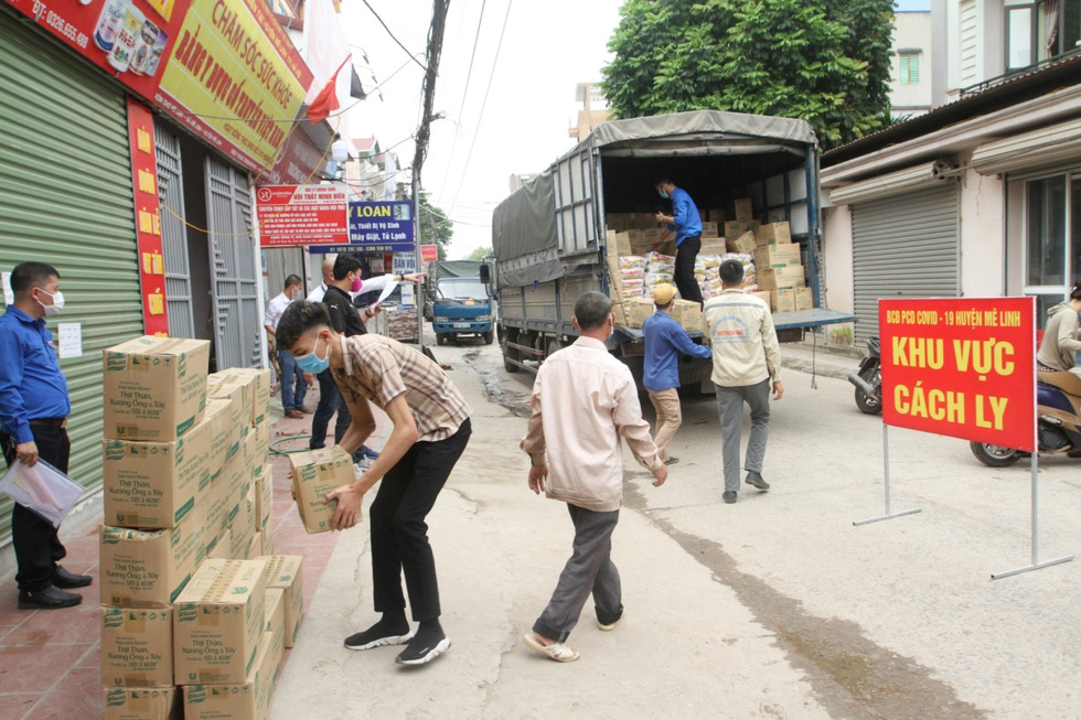 Những chuyến hàng Unilever đến với tuyến đầu chống dịch - Ảnh 3.