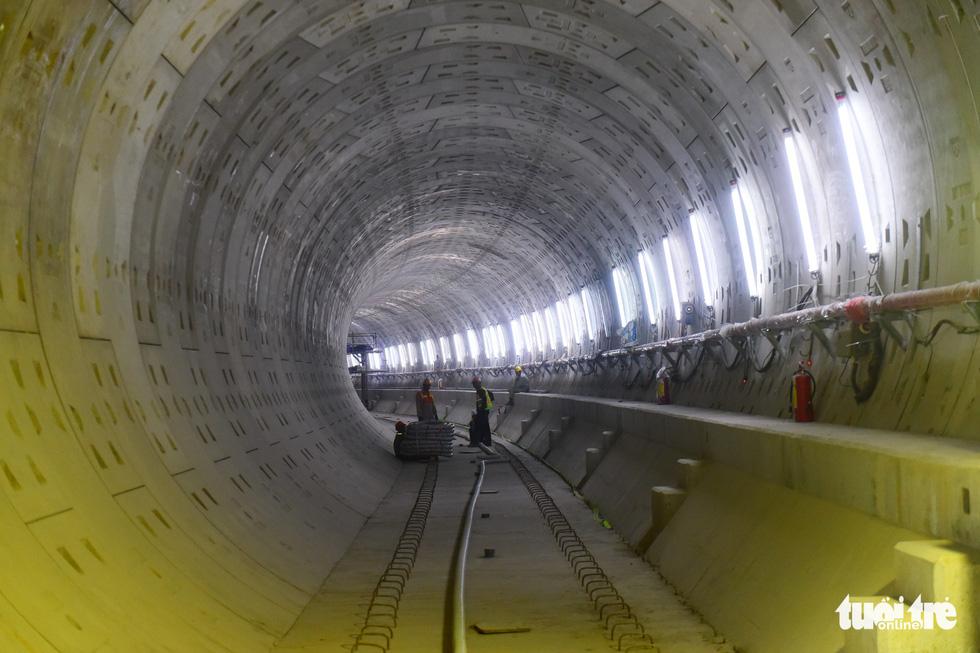 Metro số 1 Bến Thành - Suối Tiên đang băng băng về đích - Ảnh 12.