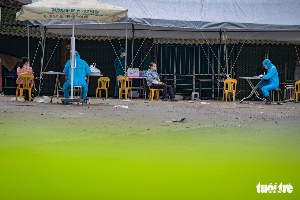Cận cảnh cách ly thôn Hạ Lôi hơn 10.000 nhân khẩu vì liên quan bệnh nhân 243 - Ảnh 5.