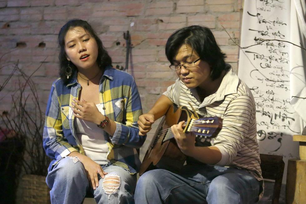 Hoàng Trang và Nguyễn Đông: Đôi tình nhân mê mải du ca nhạc Trịnh - Ảnh 1.