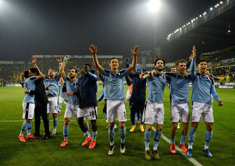 Điểm lại bảng xếp hạng các giải đấu hàng đầu châu Âu trước khi trở lại - Ảnh 16.
