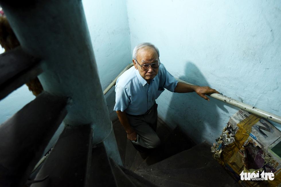 Người nghệ nhân già gần 90 tuổi lưu giữ hào quang của nghệ thuật đóng giày - Ảnh 5.