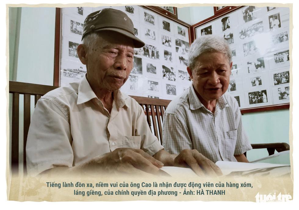 Lão nông kể chuyện về Bác Hồ qua những bức ảnh - Ảnh 7.