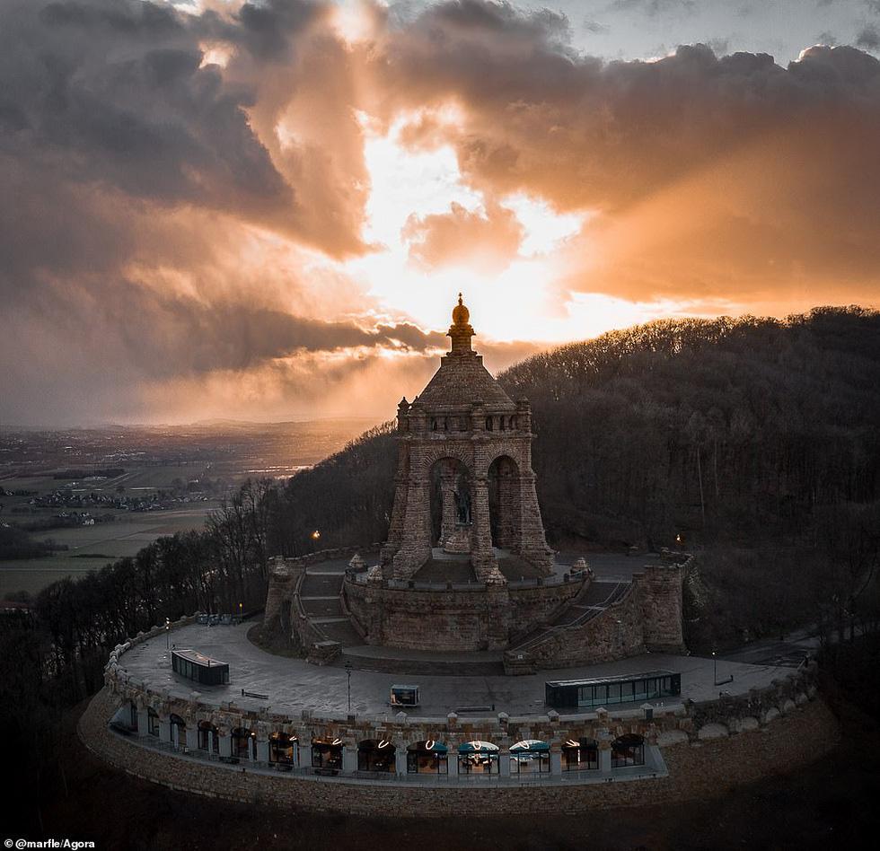 Ảnh Cầu Vàng vượt hơn 10.000 ảnh giành chiến thắng cuộc thi Architecture 2020 - Ảnh 9.