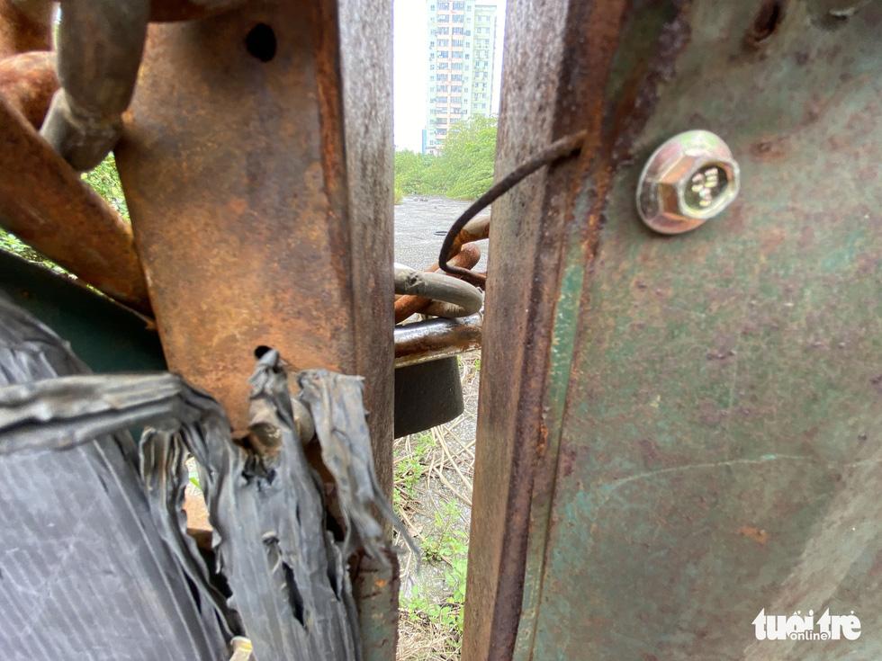 Cận cảnh lô 'đất vàng' 11 năm bỏ hoang ở Hà Nội bị kiến nghị điều tra - Ảnh 5.