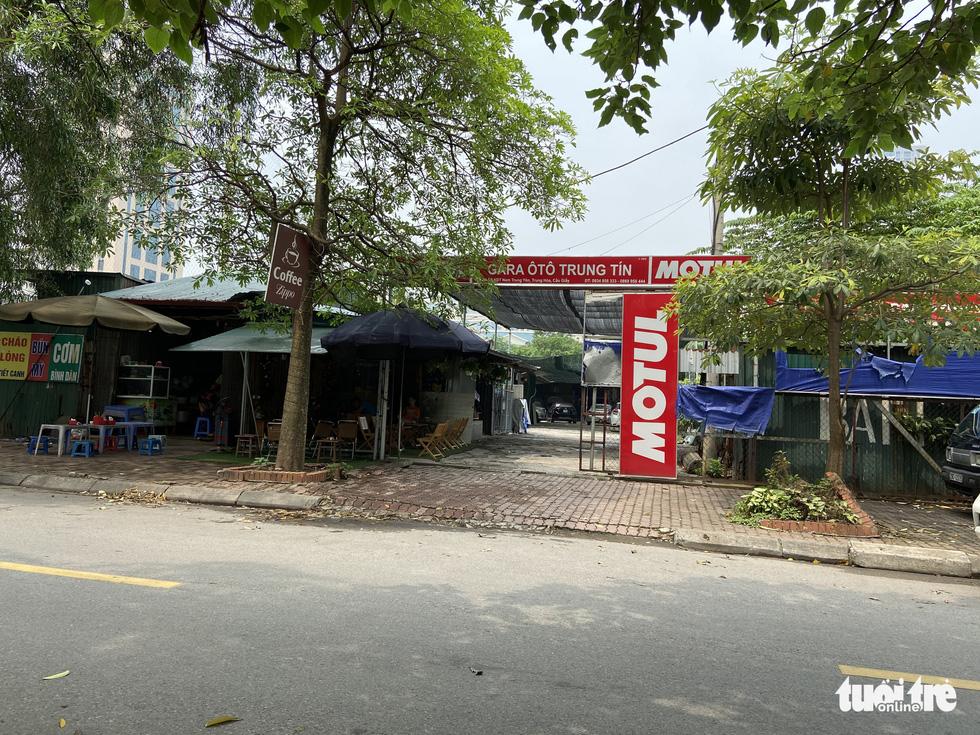 Cận cảnh lô 'đất vàng' 11 năm bỏ hoang ở Hà Nội bị kiến nghị điều tra - Ảnh 6.