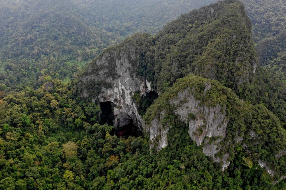 Tìm thấy lối ra hố sụt Kong huyền bí ở Phong Nha - Kẻ Bàng - Ảnh 6.