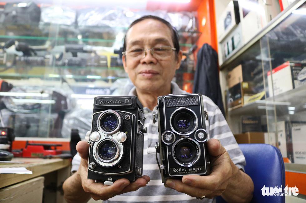 Gần nửa thế kỷ 'chữa bệnh' cho máy ảnh phim ở Sài Gòn - Ảnh 8.