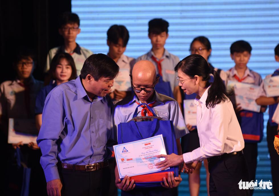 Trao 211 suất học bổng Tiếp sức đến trường khu vực Đông Nam bộ - Ảnh 7.