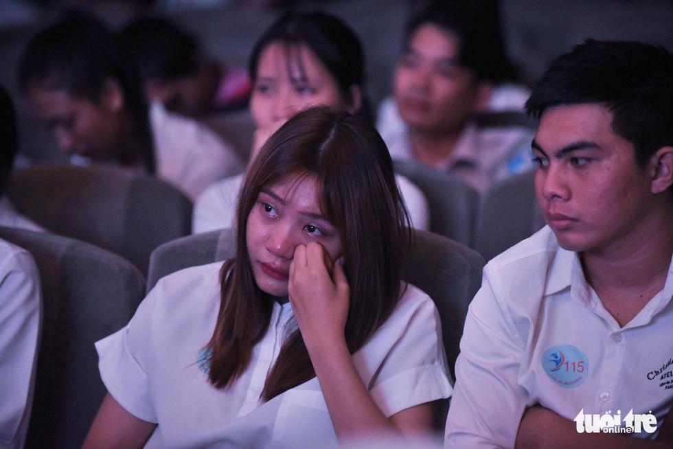 Trao 211 suất học bổng Tiếp sức đến trường khu vực Đông Nam bộ - Ảnh 9.
