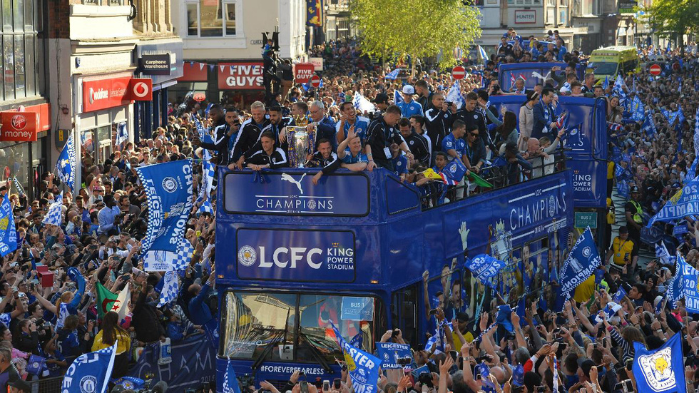 Ngày này năm xưa: Leicester City lên ngôi vô địch Premier League - Ảnh 15.