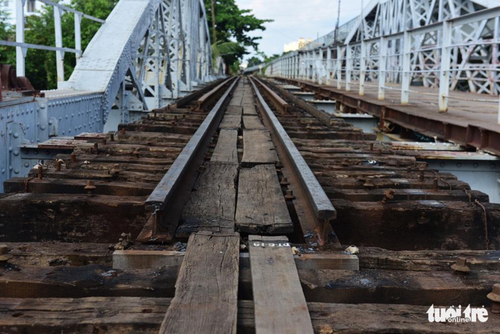 Tháo cầu sắt Bình Lợi 118 tuổi, giữ lại 2 nhịp để bảo tồn - Ảnh 8.
