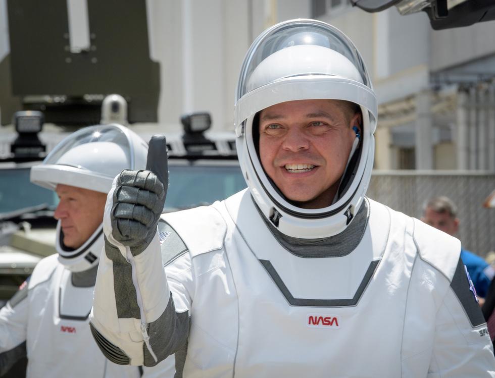 Hành trình từ 1% thành công đến cột mốc lịch sử của SpaceX - Ảnh 3.
