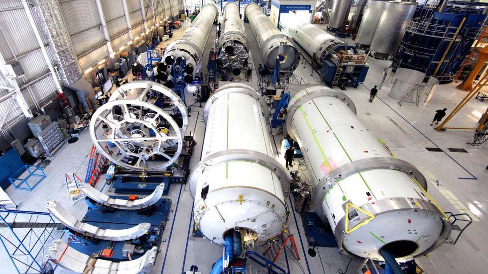 Hành trình từ 1% thành công đến cột mốc lịch sử của SpaceX - Ảnh 10.