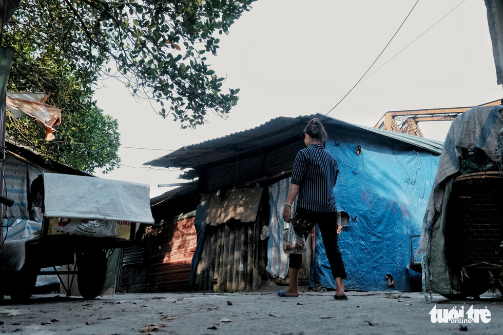 Nắng nóng đỉnh điểm vẫn không dám bật quạt ở xóm ngụ cư nghèo - Ảnh 5.
