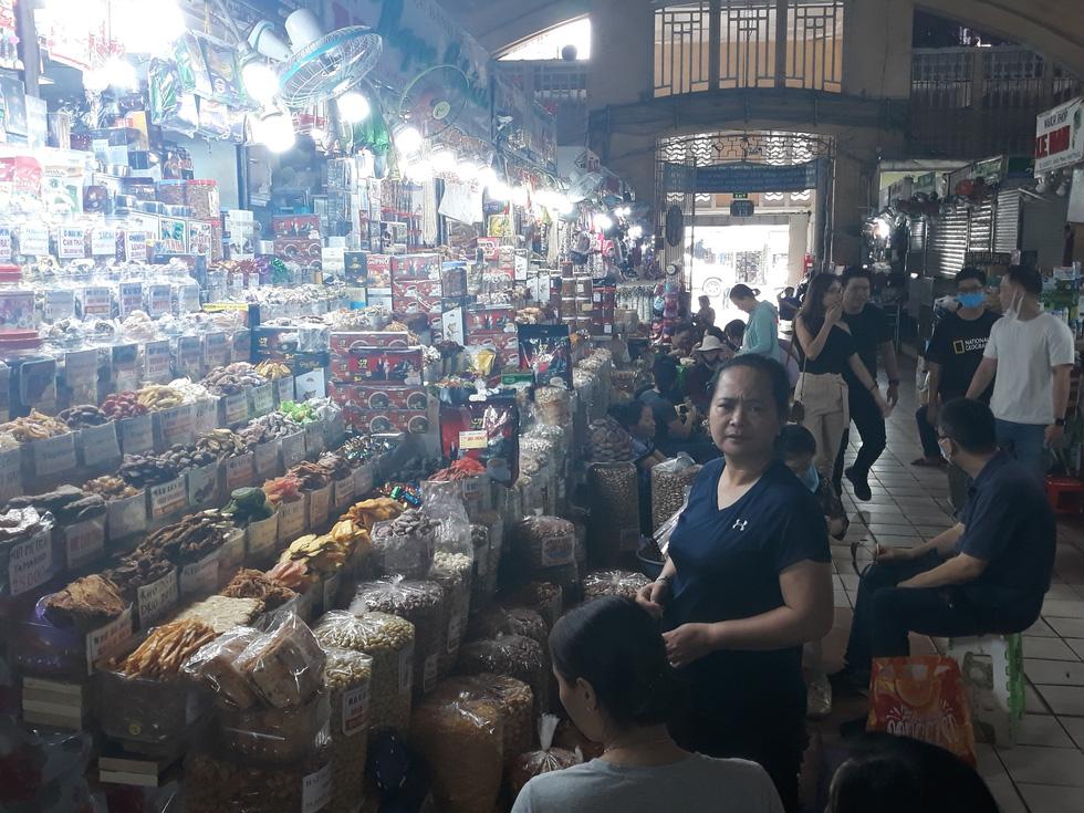 Tiểu thương chợ Sài Gòn tậu máy POS cà thẻ, xài ví điện tử - Ảnh 3.