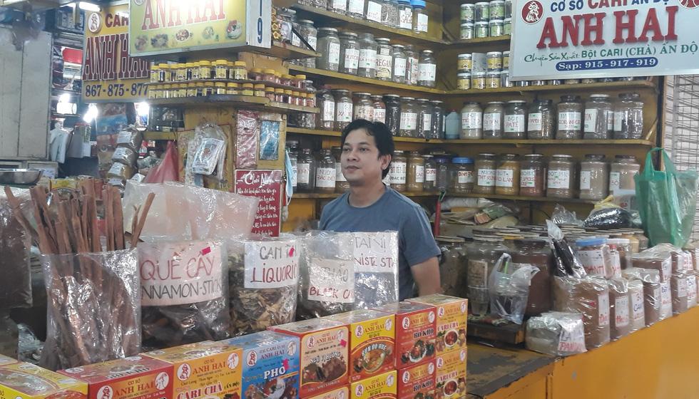 Tiểu thương chợ Sài Gòn tậu máy POS cà thẻ, xài ví điện tử - Ảnh 4.