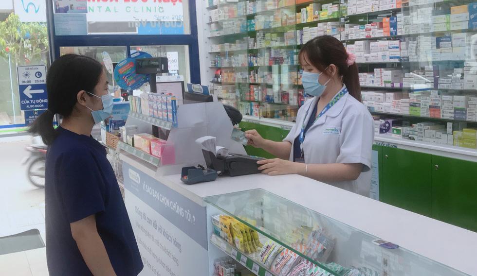Tiểu thương chợ Sài Gòn tậu máy POS cà thẻ, xài ví điện tử - Ảnh 6.