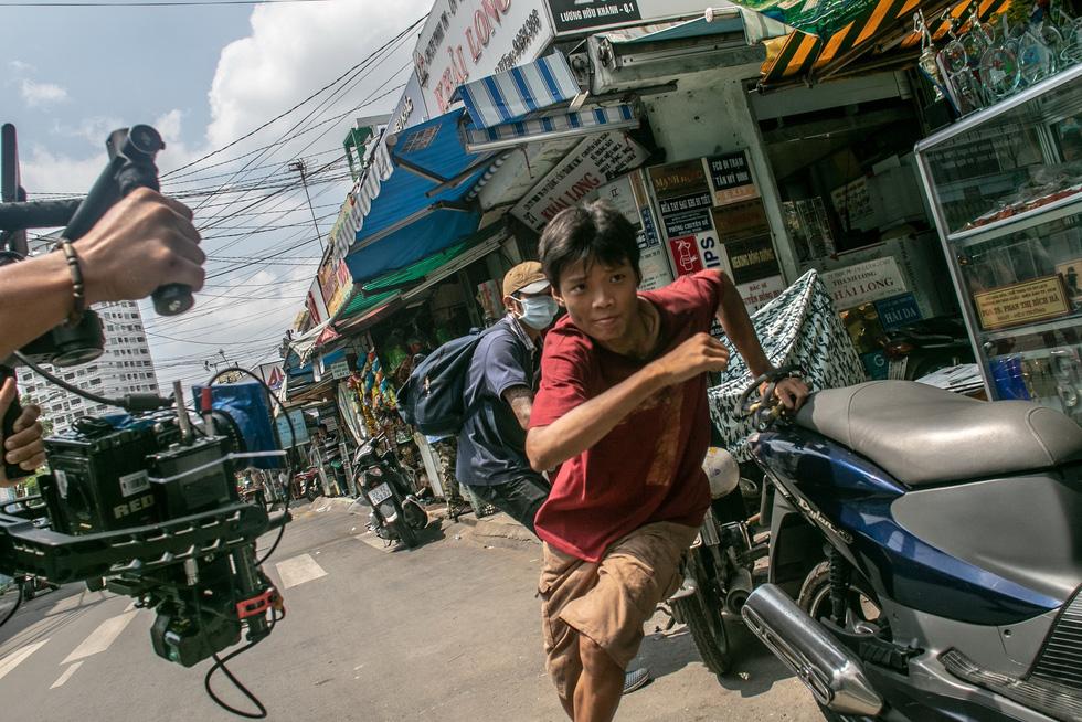 Đạo diễn Trần Thanh Huy của Ròm: Người nghèo rất kiên cường - Ảnh 4.