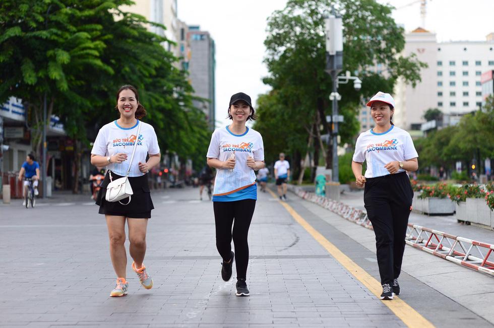 Giải chạy bộ hưởng ứng ngày không tiền mặt 2020: Ngày đầu háo hức - Ảnh 35.