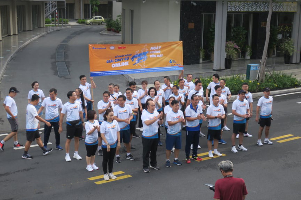 Giải chạy bộ hưởng ứng ngày không tiền mặt 2020: Ngày đầu háo hức - Ảnh 48.