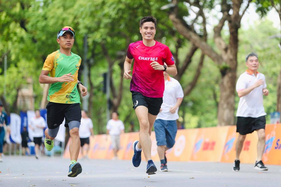 Giải chạy bộ hưởng ứng ngày không tiền mặt 2020: Ngày đầu háo hức - Ảnh 7.