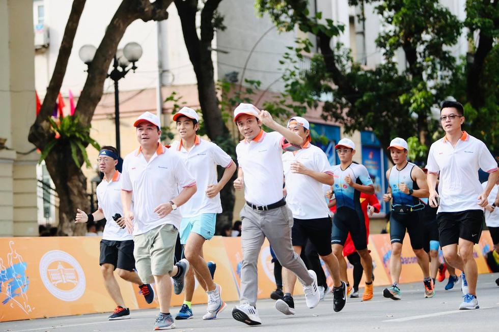 Giải chạy bộ hưởng ứng ngày không tiền mặt 2020: Ngày đầu háo hức - Ảnh 9.