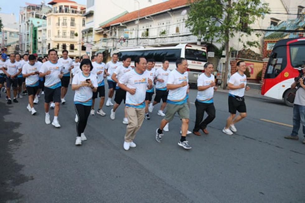 Giải chạy bộ hưởng ứng ngày không tiền mặt 2020: Ngày đầu háo hức - Ảnh 43.
