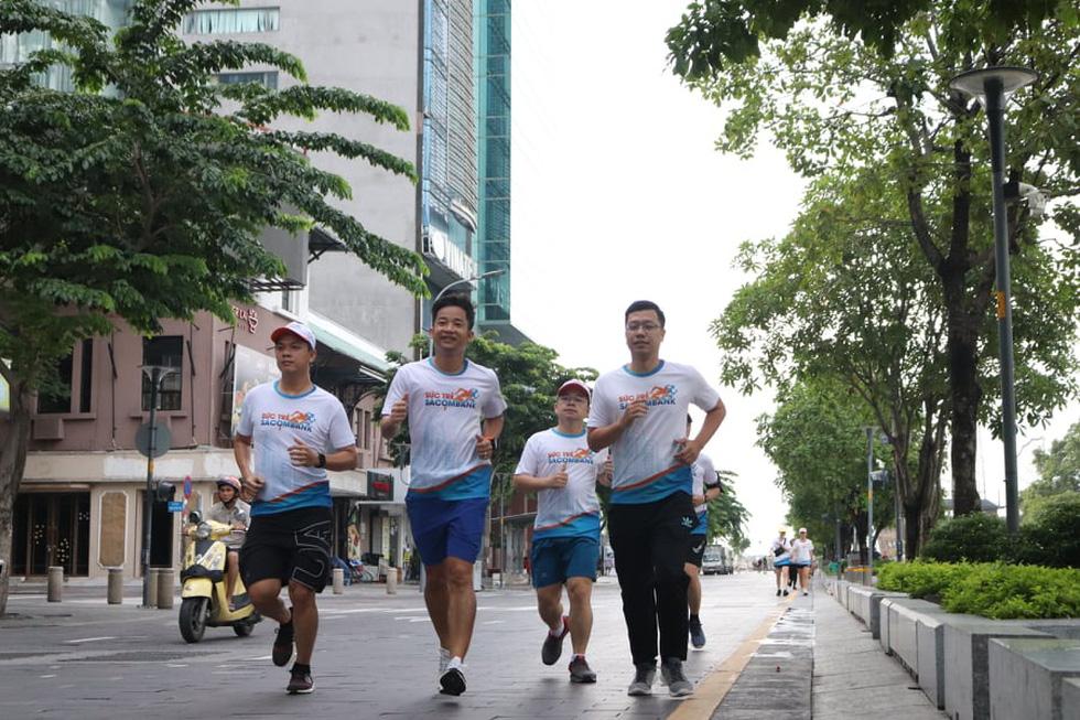 Giải chạy bộ hưởng ứng ngày không tiền mặt 2020: Ngày đầu háo hức - Ảnh 46.