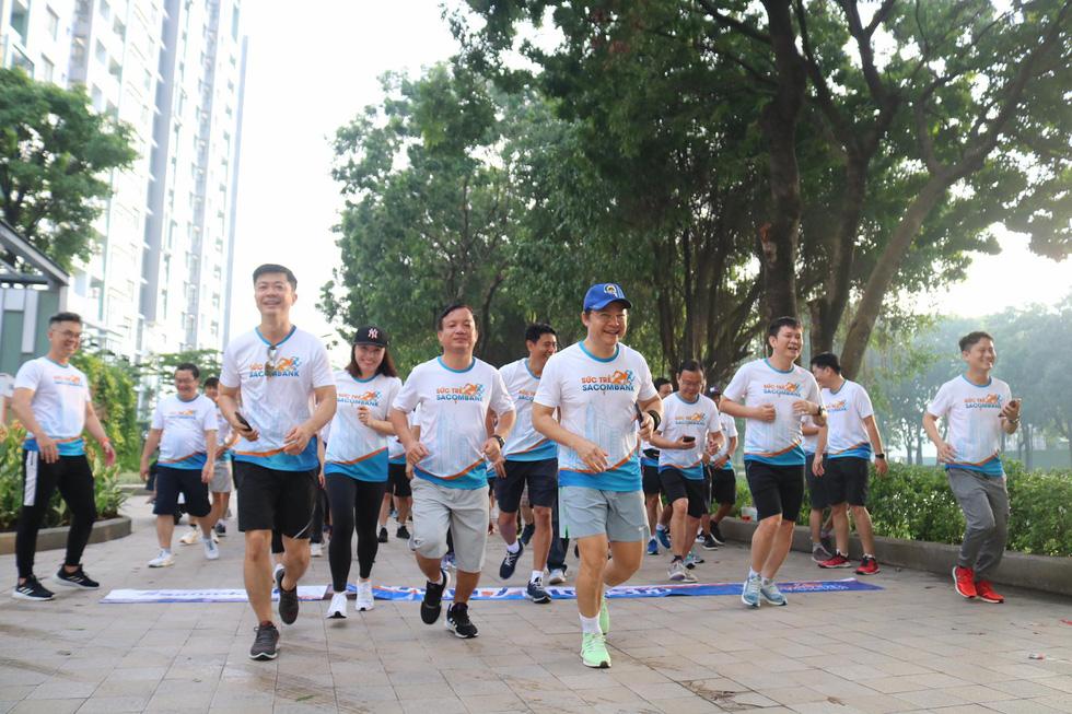 Giải chạy bộ hưởng ứng ngày không tiền mặt 2020: Ngày đầu háo hức - Ảnh 38.