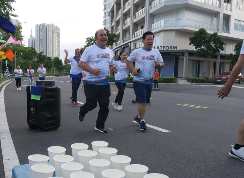 Giải chạy bộ hưởng ứng ngày không tiền mặt 2020: Ngày đầu háo hức - Ảnh 28.