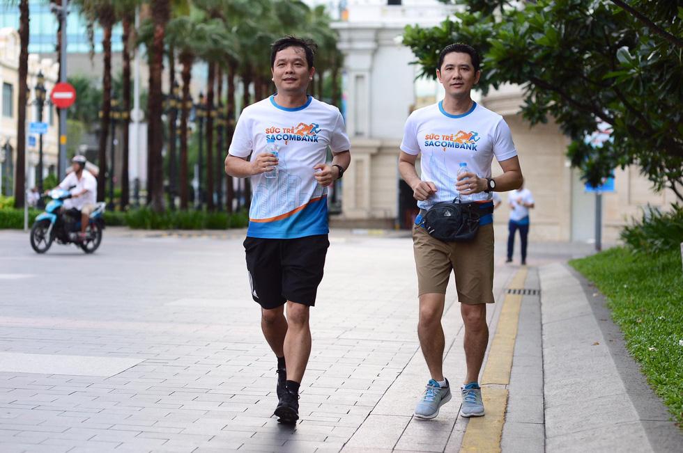 Giải chạy bộ hưởng ứng ngày không tiền mặt 2020: Ngày đầu háo hức - Ảnh 34.